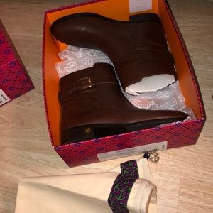 tory burch brooke ankle bootie in perfect brown